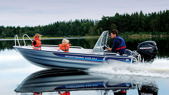 Linder 445 Sportsman Max: Linderbåtar i Stockholm